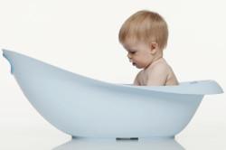 Мытье ребенка перед сдачей мочи