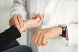 Учащенный пульс при недостаточном уровне глюкозы в крови