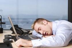 Утомляемость - один из симптомов апластической анемии